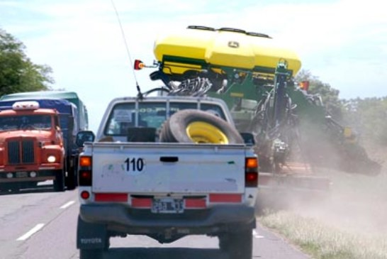 TRANSPORTAR MAQUINARIAS AGRICOLAS: CUALES SON LAS DISPOSICIONES