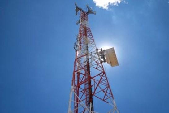 PRODUCTORES DEBEN TRASLADARSE 15 KILOMETROS PARA PODER HABLAR POR TELEFONO