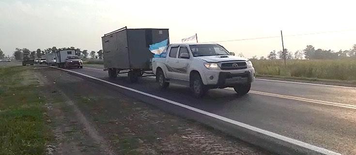 PRODUCTORES CHAQUEÑOS MARCHAN A SAN NICOLAS  – Harán más de 830 kilómetros de recorrido